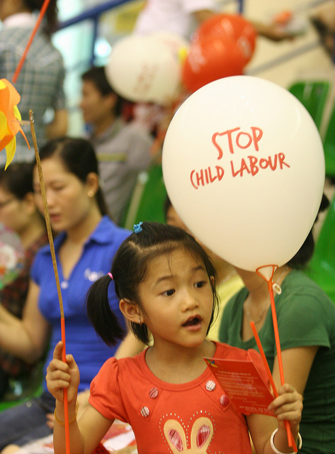Kind Stop Kinderarbeit  Bild (Ausschnitt): © ILO in Asia and the Pacific [CC BY-NC-ND 2.0]  - flickr